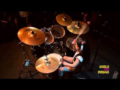Watch 5 yr old Eduarda Henklein cover S.O.A.D